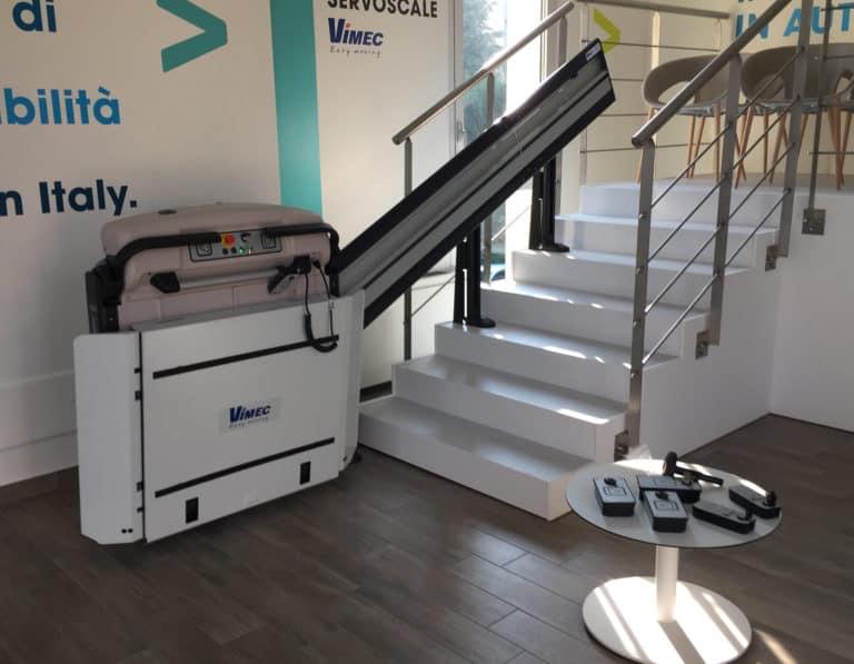 servoscala a piattaforma per disabili